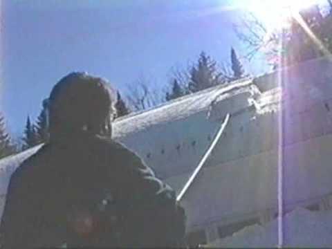 Enlever la neige sur le toit