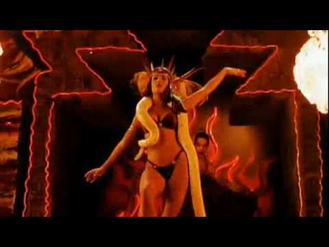 Satanic Pandemonium - Salma Hayek - Um drink no inferno - From dusk till down