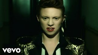 Клип La Roux - In For The Kill