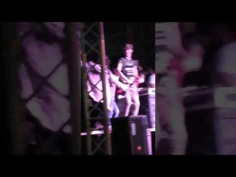 رقص طفل صغير  شعبي علي الاستيدج شاهد ماذا فعل مع الشباب thumbnail