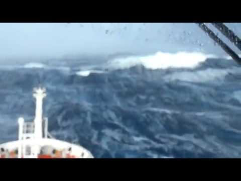 Ship Hits Massive Waves Searching For Malaysia Airlines Plane- Video Clips