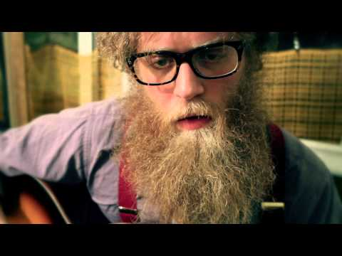 Ben Caplan - Leave Me Longing - Green Couch Session