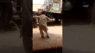 Zindagi ich aonr da nazara agya(beautiful dance by small boy)