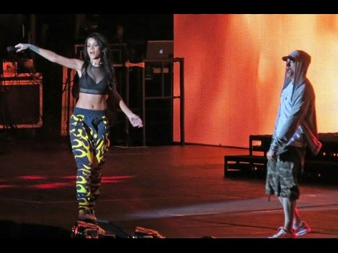 Eminem & Rihanna -The Monster Live at The Monster Tour in New York