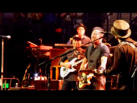 Bruce Springsteen | Burning Love - Nashville - 17/04/2014 (Multicam/Dubbed)
