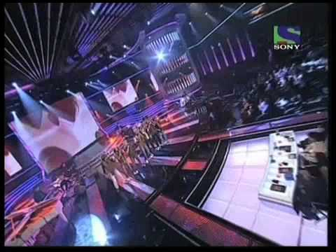 X Factor India - Deewana Group perform Pyar Hame Kis Mod Pe...