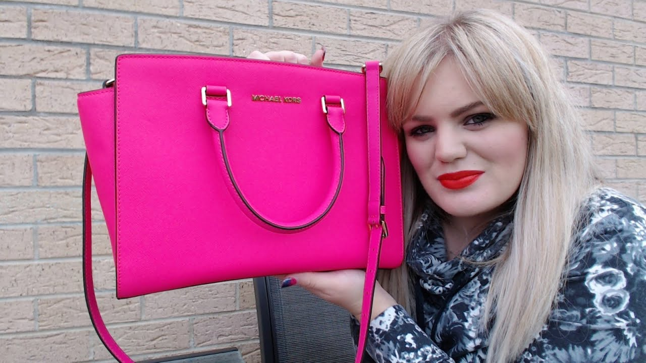 what 39 s in my bag michael kors selma neon pink youtube. Black Bedroom Furniture Sets. Home Design Ideas