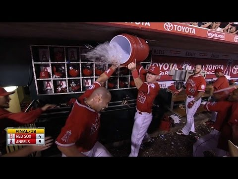 Pujols ends marathon game with walk-off shot