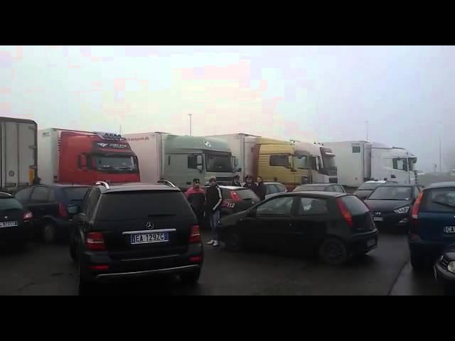[Sogliano, Modena]: lavoratori della Fimar carni in sciopero