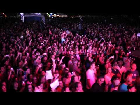 Simple Plan - Shut Up (Live in Quebec)