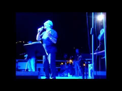 Andrea Mingardi con Emanuela Cortesi ,interpretrano egregiamente una canzone dei Pink Floyd