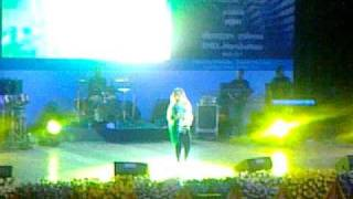 Sunidhi chauhan Live ( song - desi girl ) - siri fort auditorium on 4-5-11