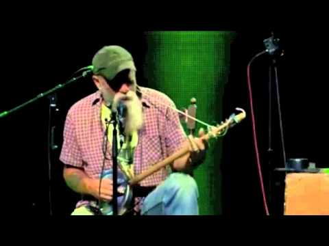 Seasick Steve - You Can&#039;t Teach An Old Dog New Tricks (Trix)