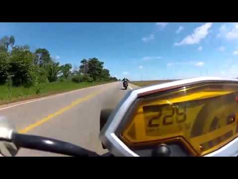 Kawasaki Z1000 vs Honda CB1000R New 2014
