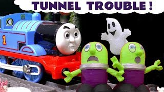 Thomas The Tank Engine and funny Funlings Halloween Tunnel Trouble - Fun story for kids TT4U