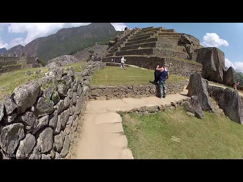 3D Audio Machu Picchu Hike (Wear Headphones) - Smarter Every Day 68A