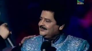Khaike paan banaras wala - Kumar Sanu and Udit Narayan