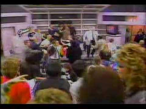 GERALDO RIVERA BREAKS HIS NOSE - SKINHEAD BRAWL 1988 Video