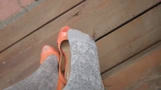 Bona tights by Fiore, 60 den - Showing it off with orange heels!