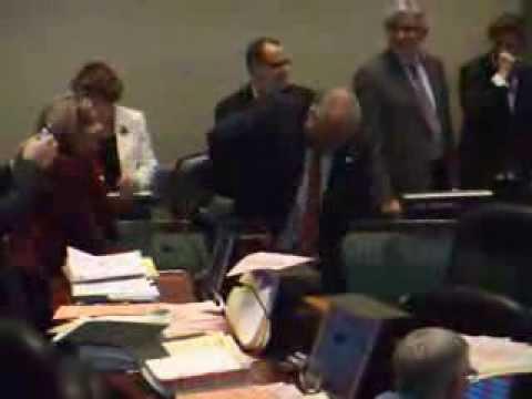 Toronto Mayor Rob Ford dancing to