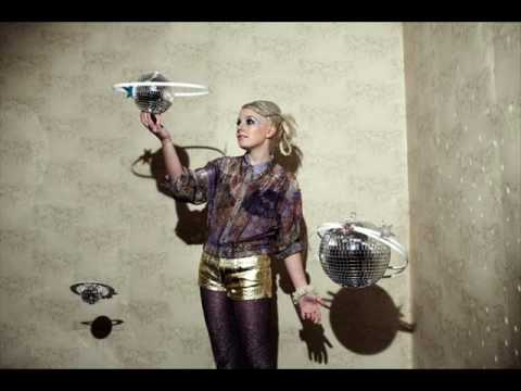 Little Boots - Every Little Earthquake [2009] Video