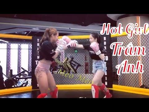 Hot Girl World Cup Trâm Anh bạn gái PEWPEW đấu võ đài cực kì dễ thương