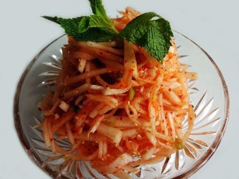 White radish salad