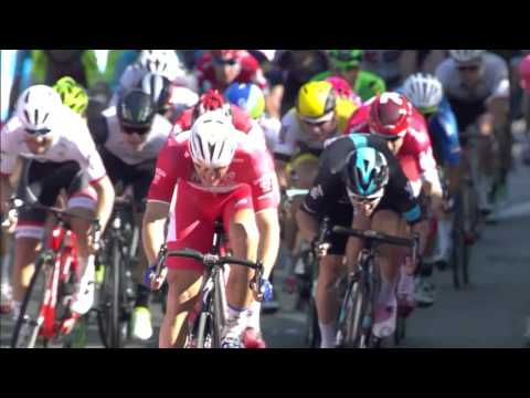 Marcel Kittel takes another win at the Giro d'Italia and the maglia rosa