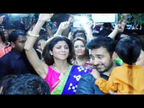 Shilpa Shetty Dances CRAZY @ Ganesh Visarjan 2015