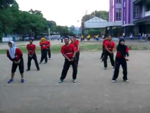 Uji Kompetensi 4 Senam Morena Kelompok 4 Penjaskesrek Uns Angkatan 2012 video