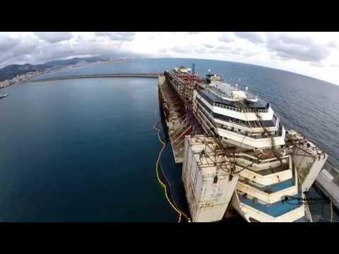 Costa Concordia al porto di Genova Voltri