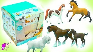Dreamworks Spirit Riding Free Stallion Horse Surprise Blind Bags Full Box Unboxing