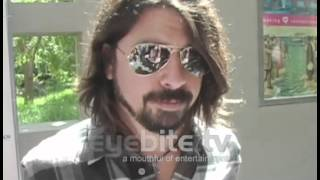 FOO FIGHTERS Dave Grohl, a devoting dad to his little girls