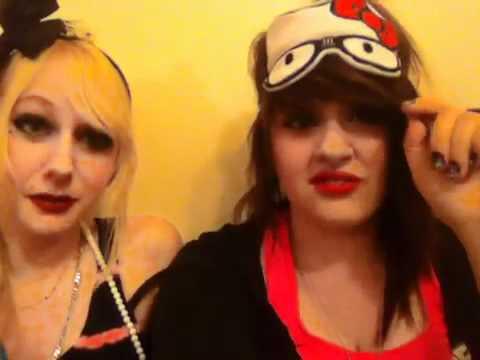 Paris Hilton And Kesha Lesbian Kiss.! video