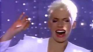 Annie Lennox & Al Green - Put A Little Love In Your Heart [HQ]