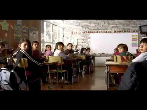 La otra Familia Trailer Oficial   Gustavo Loza
