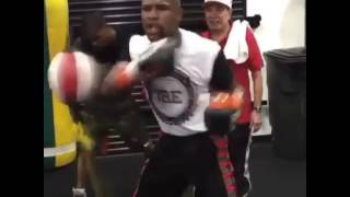 Floyd Mayweather Amazing Skills Never Misses A Single Punch! esnews boxing