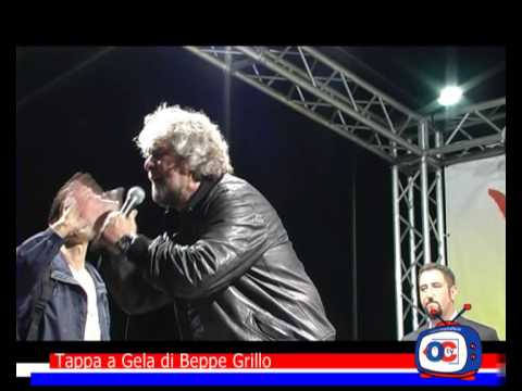 Bomba a Gela esplode Beppe Grillo