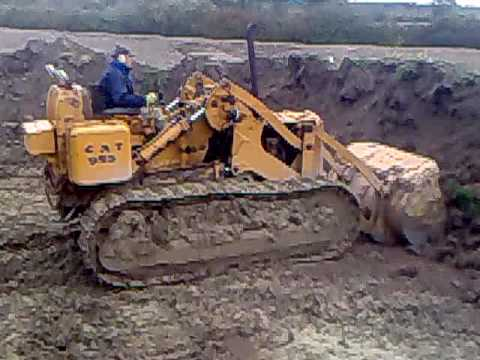 Caterpillar 955 Loading