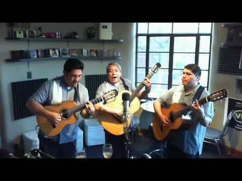Trio los primos de mexico (Radio Vive) Entrevista 3