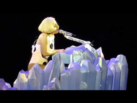 Lady Gaga - Dope (Live) Hamburg/Germany