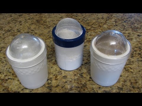 Lynn's Recipes Cooking Tip #4 Using Flour and Sugar Shakers