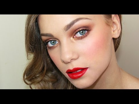 Bright eyes and Red lips | Cara Delavigne ispired