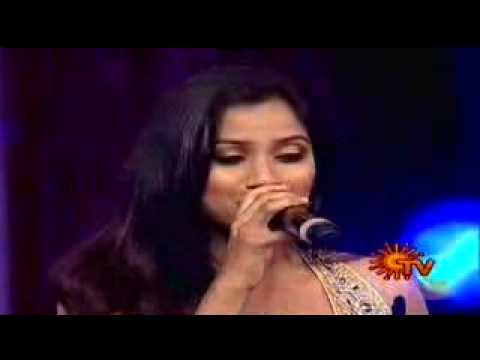 Shreya Ghosal Wins Best Singer For Munbe Vaa video