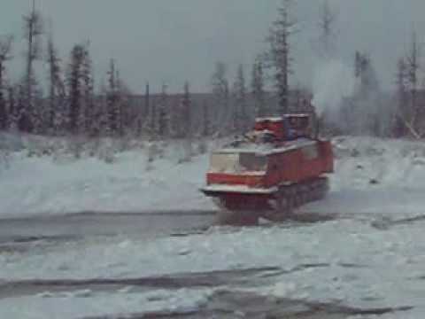 гусеничный вездеход ГПЛ-520.Брод зимой