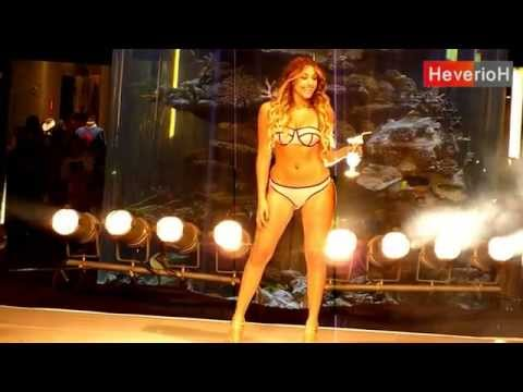 Milett Figueroa,luciendo Bikini , Desfile En Megaplaza