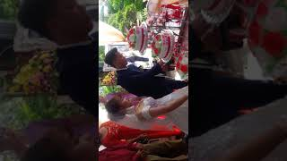 Lễ cắt bánh và rót rượi trong lễ thành hôn của anh chị