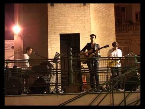 """ANDREA MIRO' – """"Senza che nulla cambi"""" live con i Modojohn a Lanciano (Faro di Aldo Rossi)"""