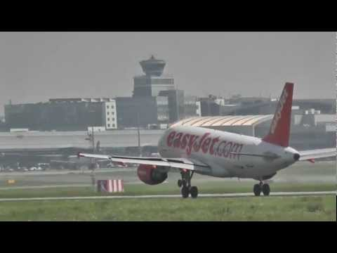 EasyJet Airlines - landing Prague Airport LKPR