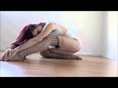 06 : Beautiful Sexy Girls, Dance - Donna Hood And Saraanne Fahey video